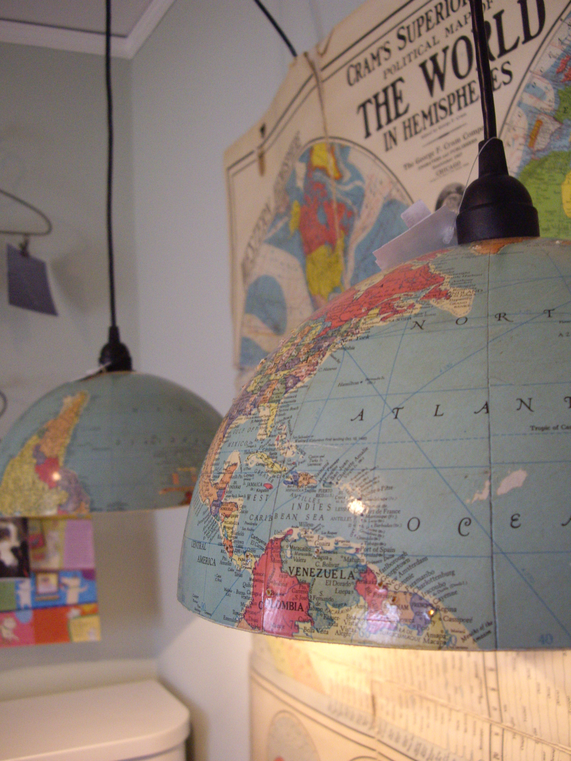 Lampe aus alten Globen (hyggelig.com)